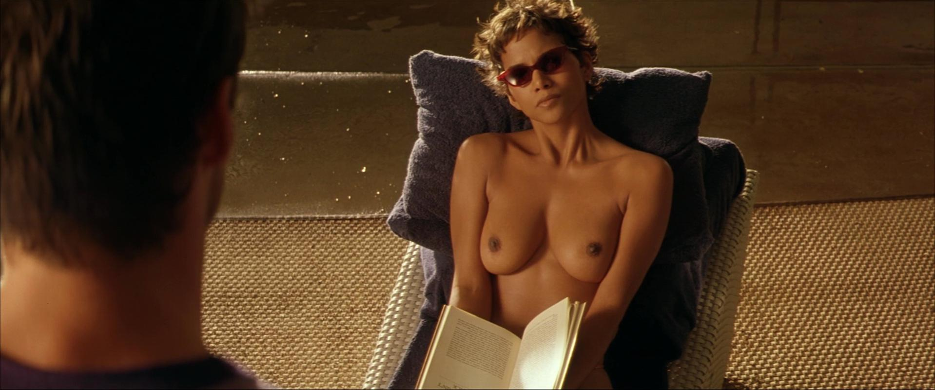 Hally berry breasts naked
